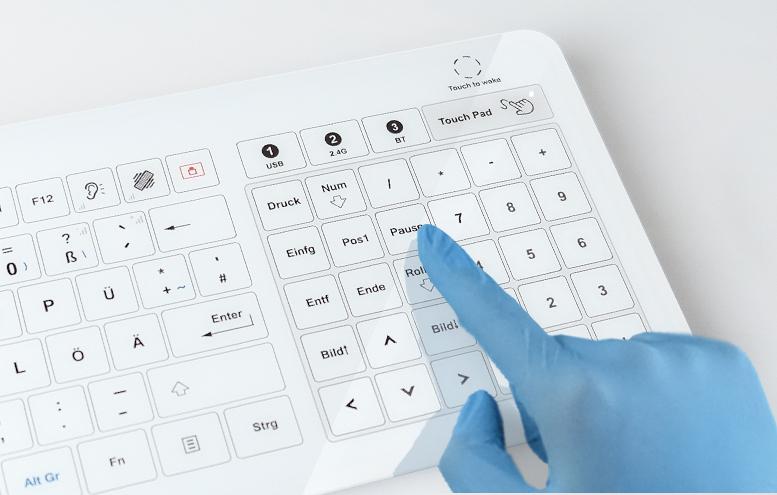 Glastastatur-mit-zuschaltbarem-Touchpad_e-medic