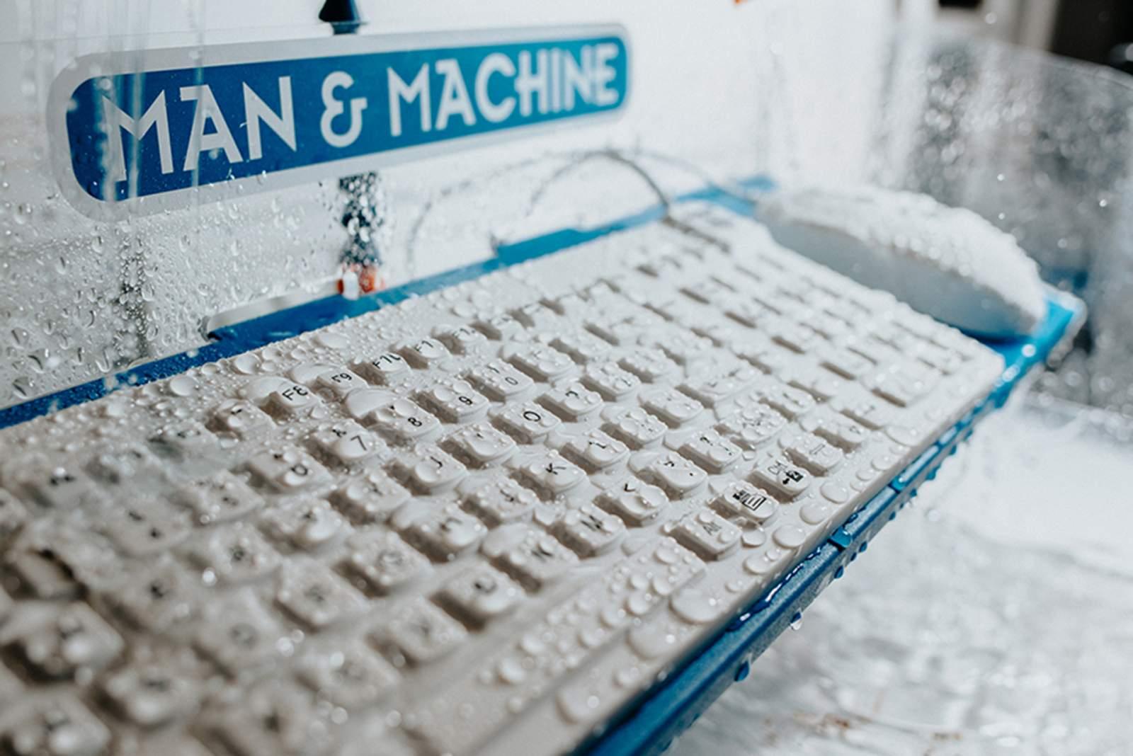 man-machine-tastatur-maus